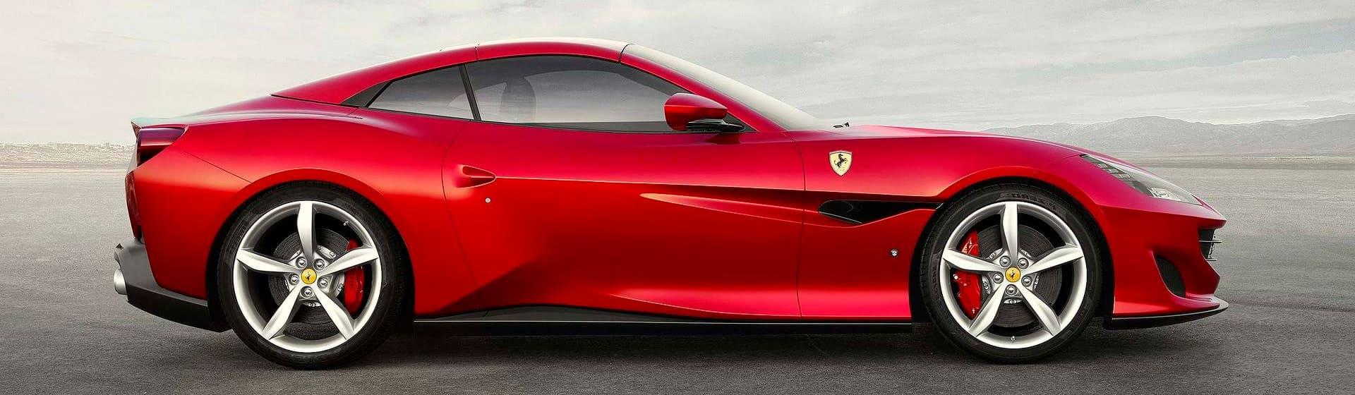 Атрибутика Ferrari — гоночный стиль одежды