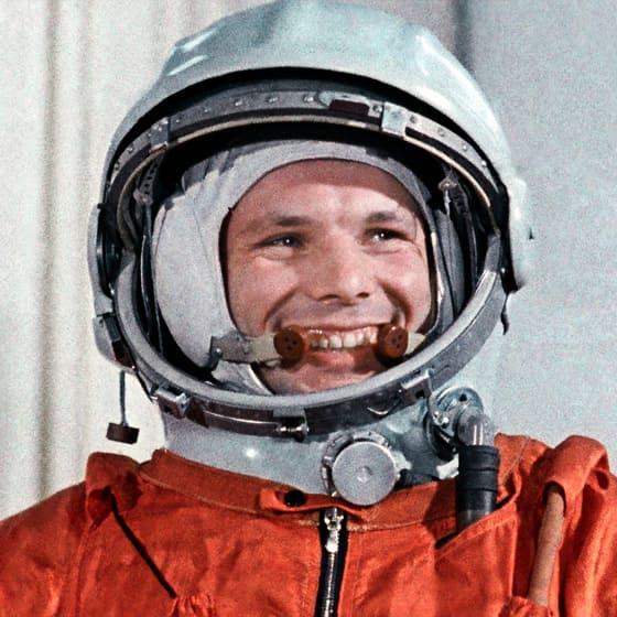 Кухонные скатерти ко дню космонавтики