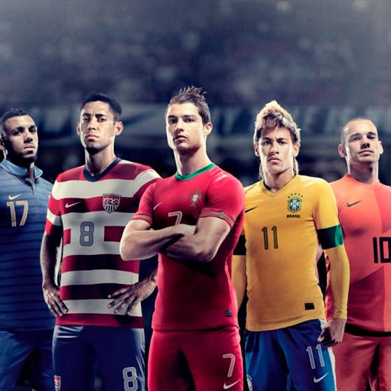 Женские толстовки футбольных игроков