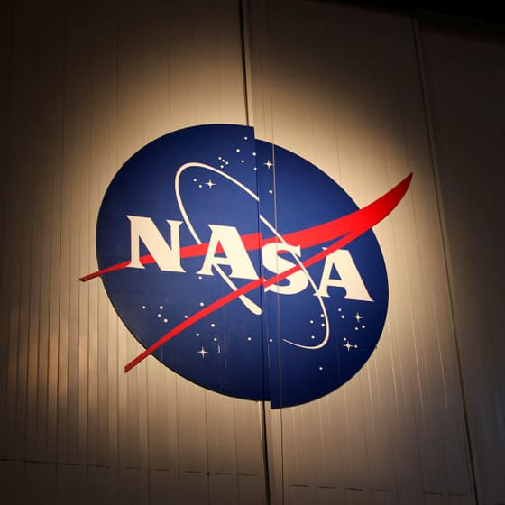 Зимние куртки NASA