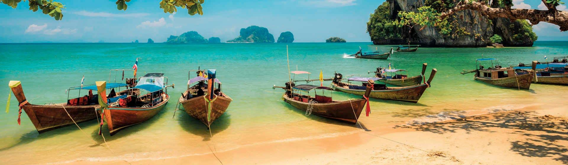 Таиланд - Мерч и одежда с атрибутикой
